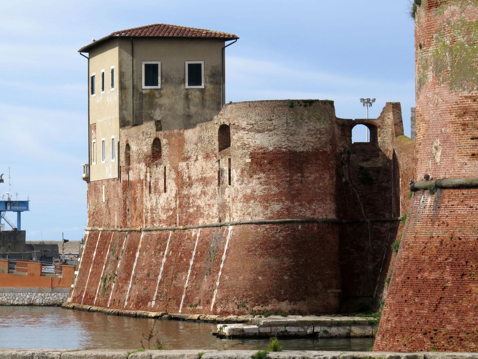 Canaviglia_bastion_of_the_Fortezza_Vecchia,_Livorno