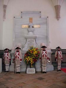 Cenotafio dedicado a Menacho en el claustro de la catedral de Badajoz