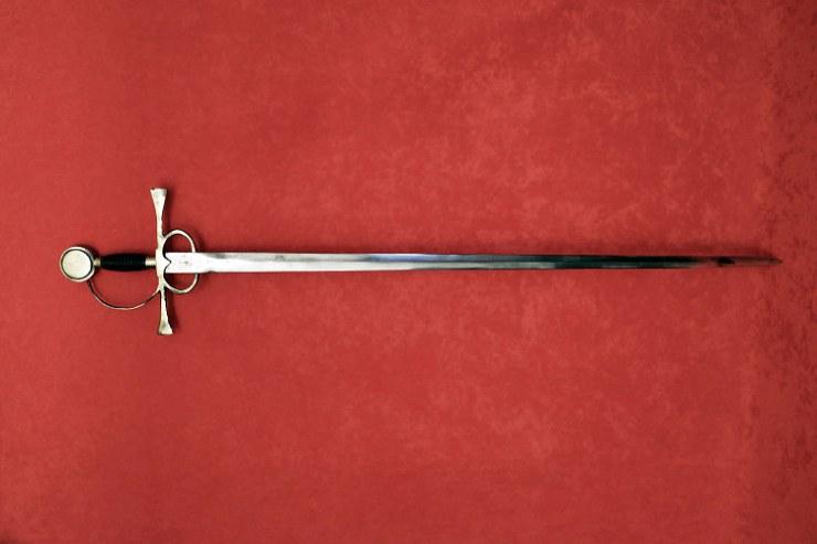 Espada de Pizarro. Pieza exhibida en la Real Armería de Madrid